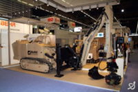 MineWolf-Systems_Switzerland-Germany_Mini-MineWolf–MW240_and_Robotic-Arm